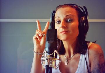Olivie Žižková naspievala odvážnu skladbu Evropo dýchej o imigrantskej kríze!