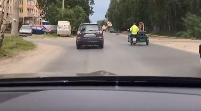 Vodič neveril vlastným očiam: To, čo uvidel na ceste, ho úplne odrovnalo