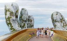 Neviete, kam na výlet? Najnovšou atrakciou je vietnamský Golden bridge, ktorý svojou nádherou vyráža dych!