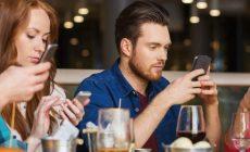 Ako veľmi sme v skutočnosti závislí od mobilov? Pozrite si výsledky štúdie