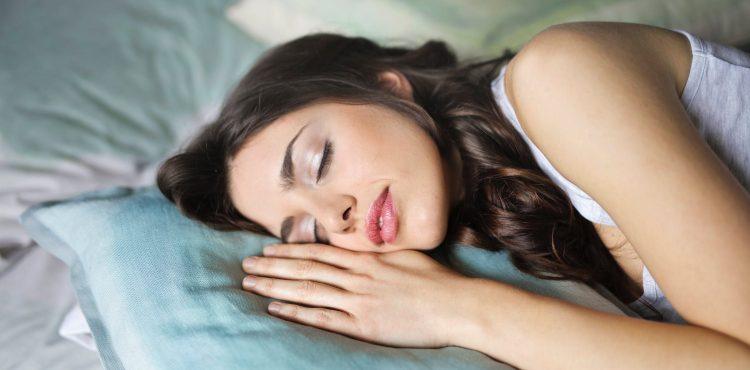 Strávime v nej tretinu života. Výber vhodnej postele môže byť pre kvalitu spánku rozhodujúci