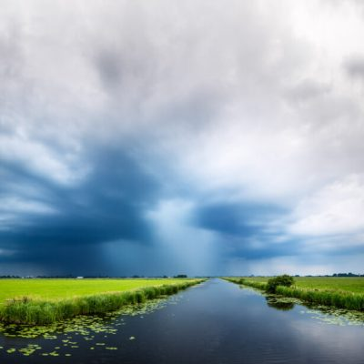Zomerse buien in polder mastenbroek