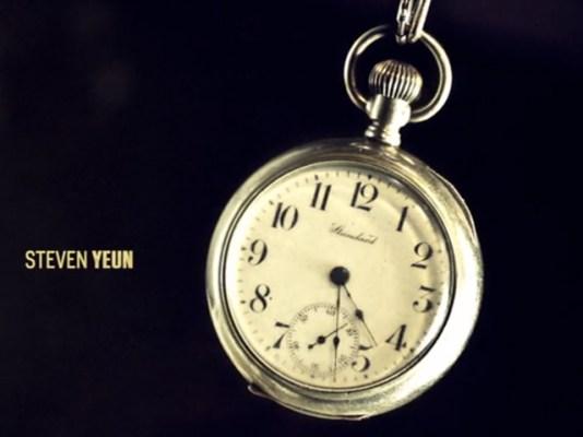 reloj plateado the walking dead