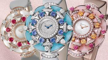 Diferentes relojes con caratulas en color blanco, azul y rosa con diamantes