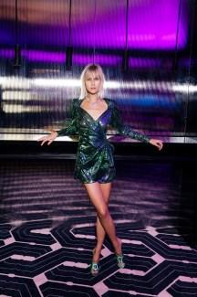 Mujer de verde en BGLAM Milan Fashion Week