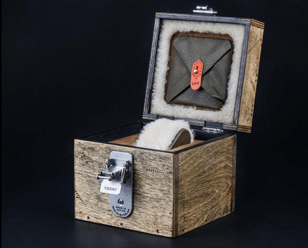 Caja de madera para guardar el reloj That's All Brother