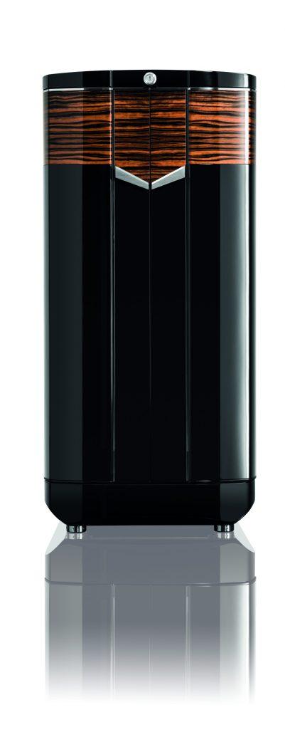 Las apariencias engañan BUBEN & ZORWEG, caja fuerte en color negro con detalles en color naranja cerrada