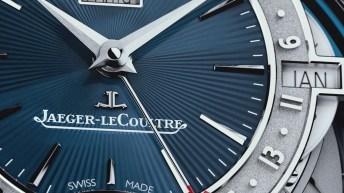 Dial del reloj Jaeger‑LeCoultre en color azul con la caratula plateada