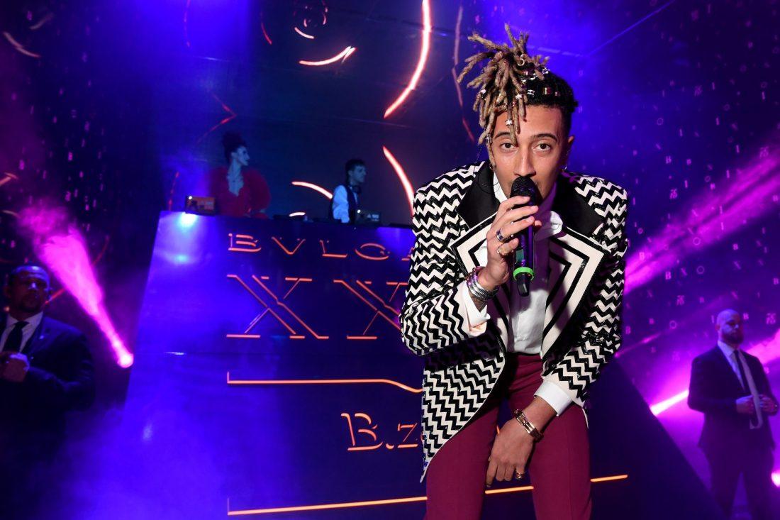 Ghali cantando en el evento Bvlgari