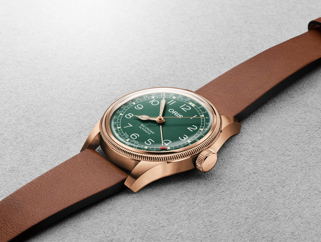 Reloj Big Crown Pointer Date en color bronce con el dial en color verde