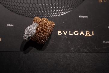 Pulsera Bvlgari en forma de serpiente con diamantes en color plata y oro