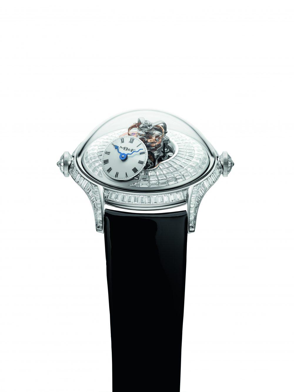 Reloj MB&F con correas negras detalles en plateado y diamantes blancos en la caratula