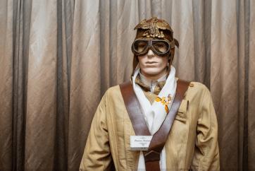 Maniquí con el atuendo de un aviador