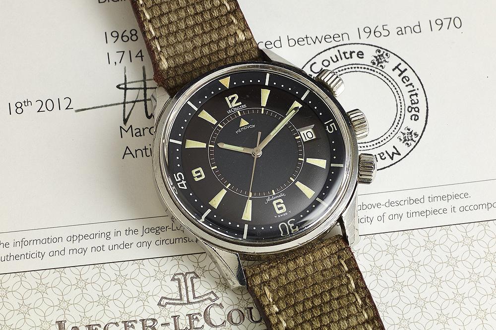 Reloj Memovox Polaris con correas cafés y caratula plateada con negro