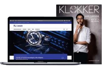 Laptop con la página web de Klokker relojería en México y revista física con un hombre en la portada