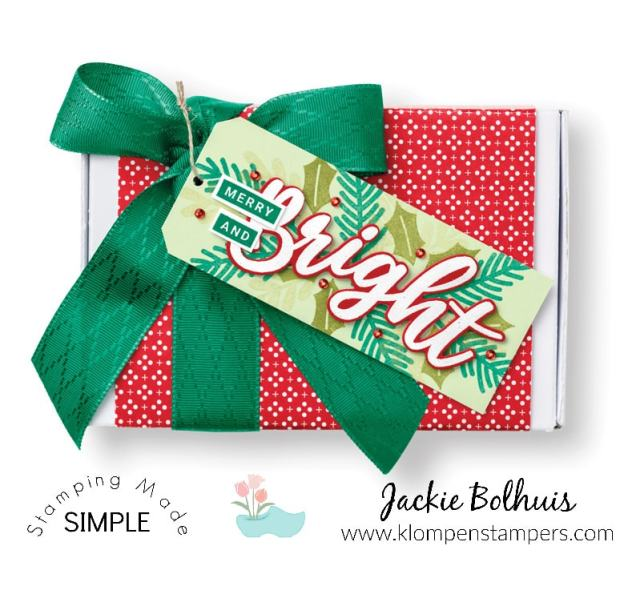 Make your own Christmas cards and small gift boxes to hold gift cards complete with handmade tag.