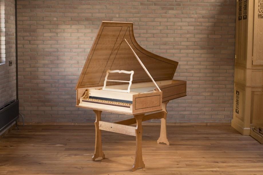 Italian harpsichord. 2 x 8'. Inner/Outer