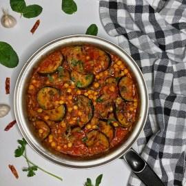 Patlidžan Leblebije Seckani paradajz u soku Ajvar sa miksom začina Crni luk Beli luk Nana Peršun