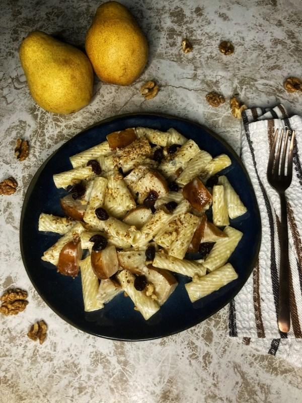 Tortiglioni pasta Gorgonzola Kruška slatka Pavlaka za kuvanje Orasi Brusnica Šećer