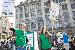 tegendemonstratie tegen March Against Monsanto: March Against Myths About Modification op de Dam