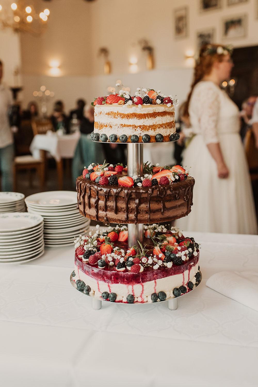 Hochzeitstorte - Naked Cake - auf der Hochzeitsfeier im Cafe Lindauhof
