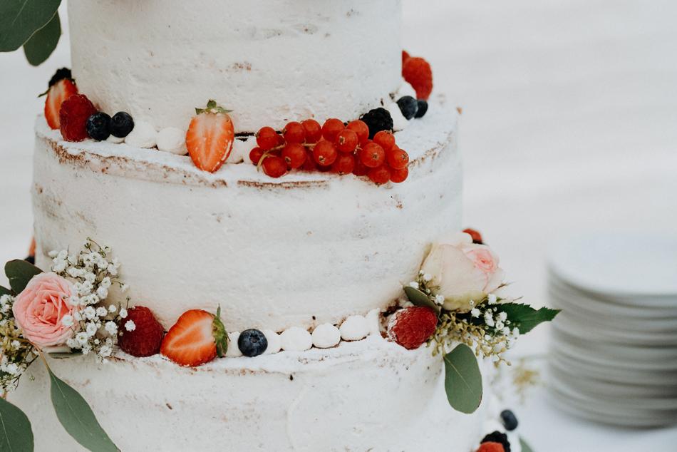 Candybar Naked Cake Hochzeitstorte Freie Trauung im Wittkielhof Hochzeitsfotografie und Hochzeitsreportagen Conni Klueter
