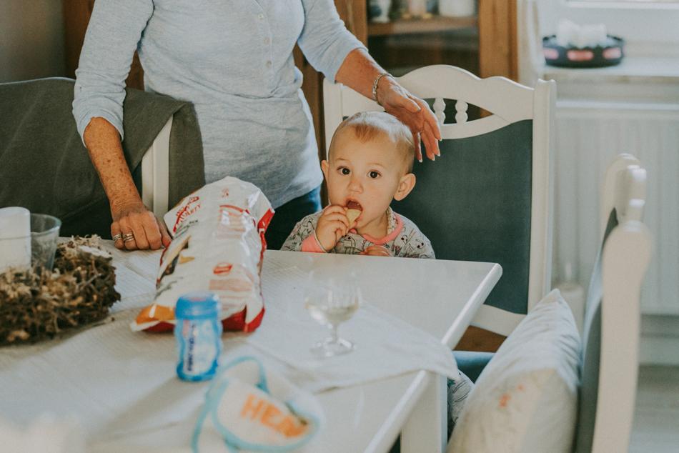 Brautkleid Getting Ready Hochzeitsfotograf Kappeln an der Schlei Conni Klueter Fotografie