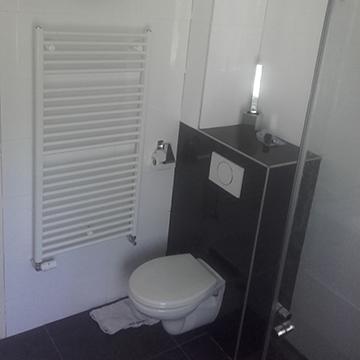 Geheel vernieuwde badkamer