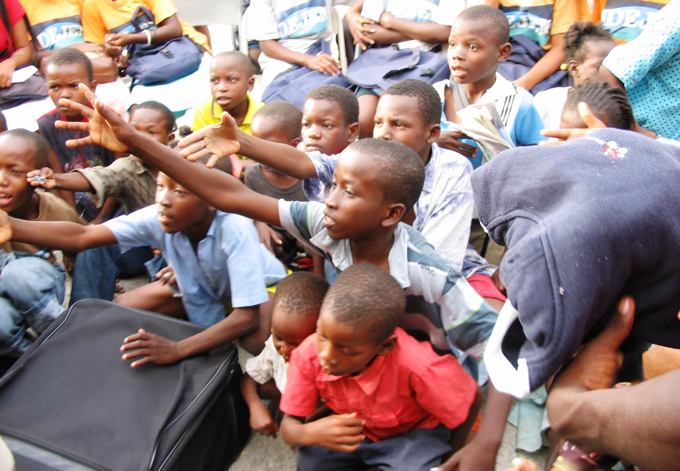 Cite Soleil, T-shirt donations