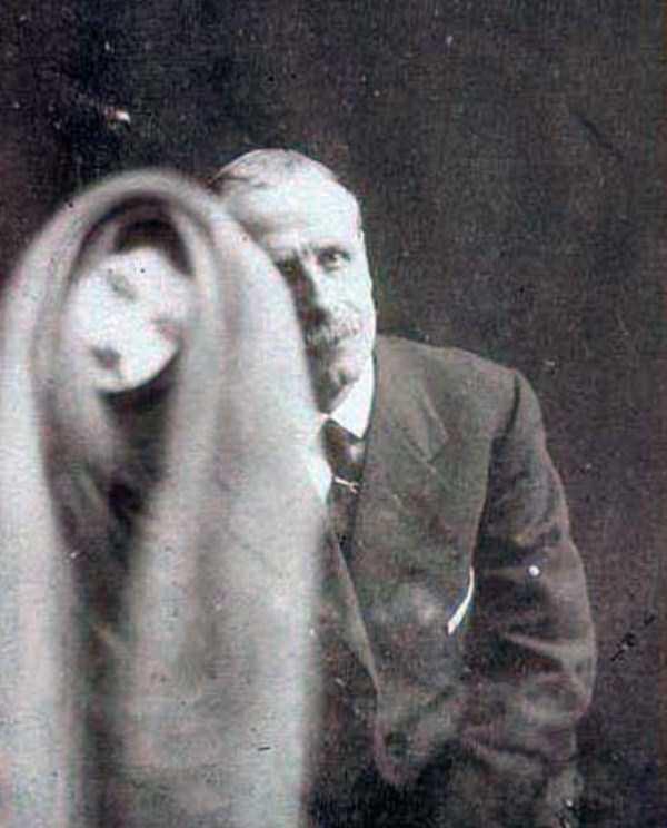 creepy pics from the past 10 Really Creepy Photos From 1920s (23 photos)