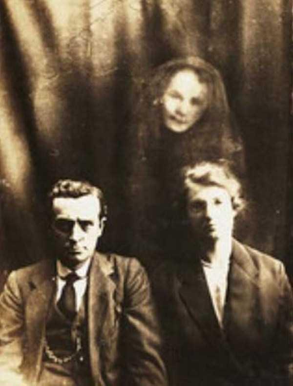 creepy pics from the past 5 Really Creepy Photos From 1920s (23 photos)