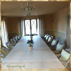 Seminarraum mit Tisch - Impressionen
