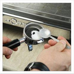 Очистка от накипи деталей кофеварки или кофемашины