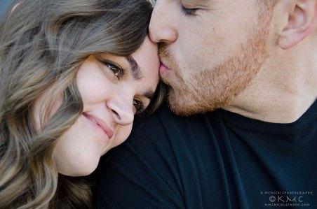 engagement-couple-kmcnickle-kiss