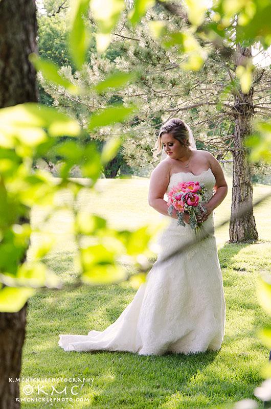 bride-outdoor-wedding-kmcnickle