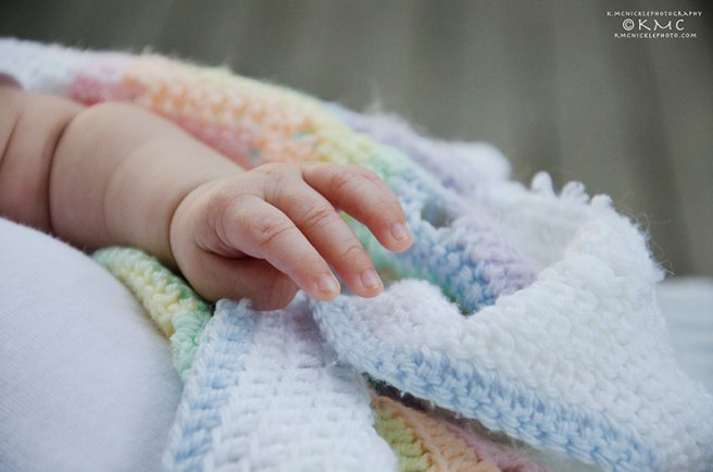 Baby-infant-portrait-kmcnickle-hand
