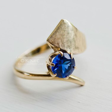 ring-sapphire-gold-vintage-jewelry-productphotography-kmcnickle