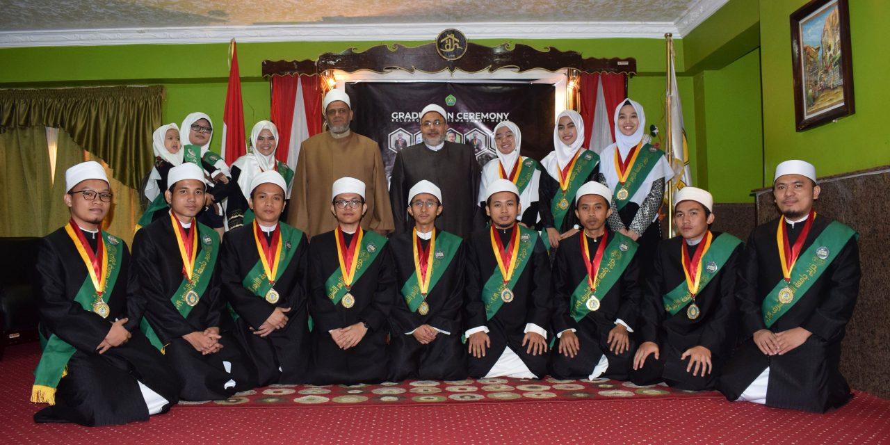 Undang Dua Syeikh, KMJ adakan Wisuda Lulusan Al-Azhar untuk pertama kali.