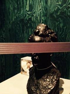 Buste van 'Henri Rochefort' van Auguste Rodin, voorlopig nog even achter een veiligheidslint.