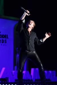 Miljenko Performing At World Stars Ceromony