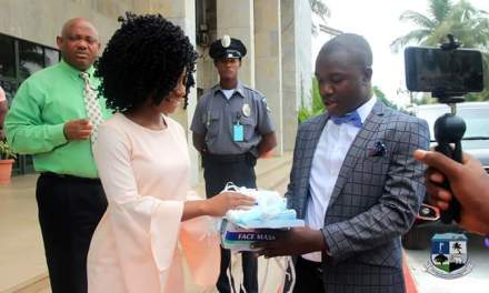Weah for clean City Campaign gets boast as first Lady Clar Weah donates clean up gears to the City Corporation.