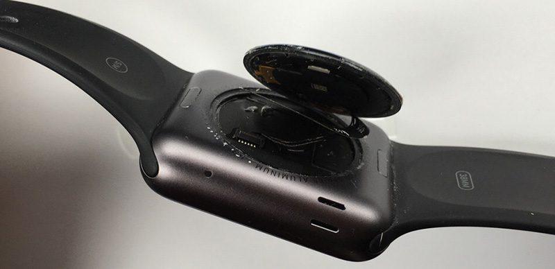 1세대 Apple Watch 밑면 커버 분리현상 무상 수리