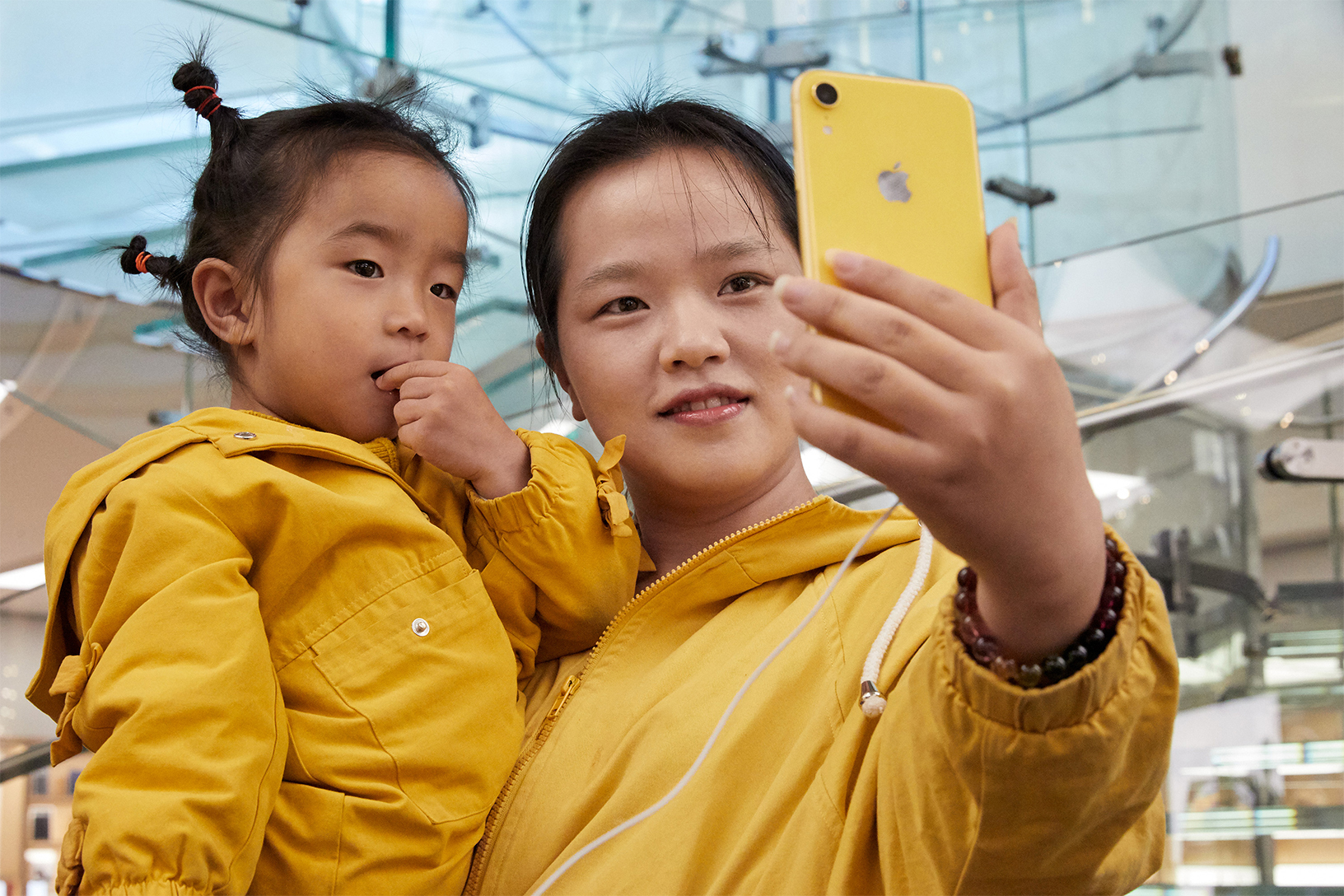iPhone XR 발매일 Apple Store 사진