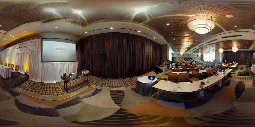 Here is a Photo Sphere from the #xdadevcon13 main meeting room