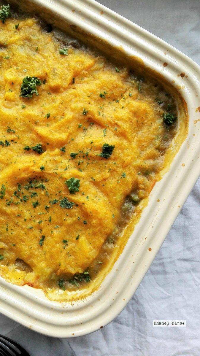 Weekenden er over os, og du skal spise  vegansk shepherd's pie  til aftensmad!