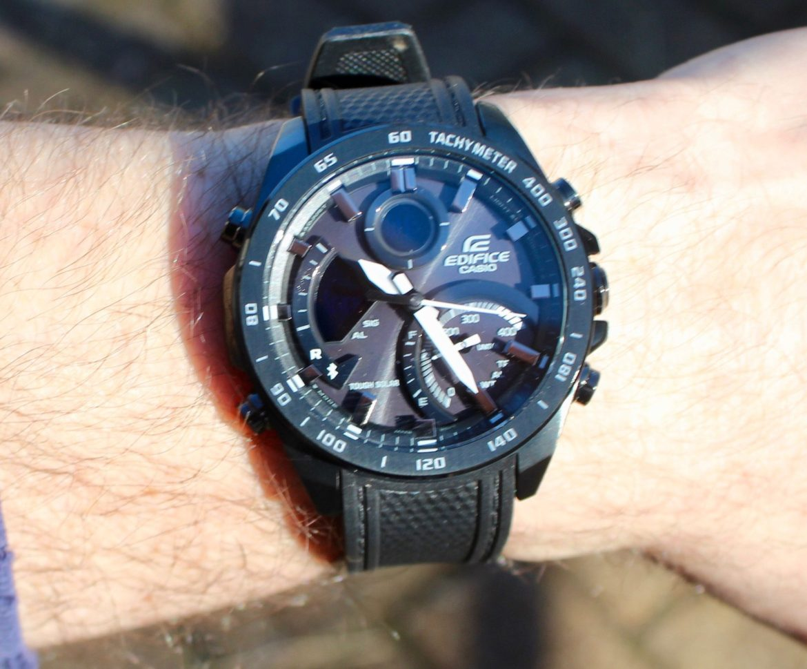 Going stealthy with the Casio Edifice ECB900PB-1A