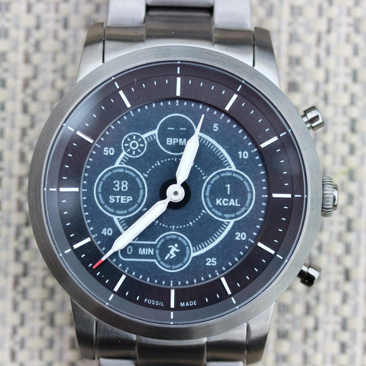 In Review: Fossil Collider Hybrid Smartwatch HR