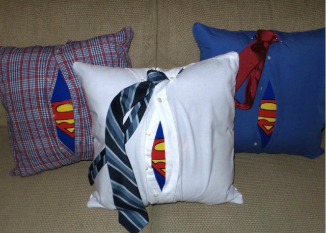 DIY Superman Pillow featured at Talk of the Town - KnickofTime.net