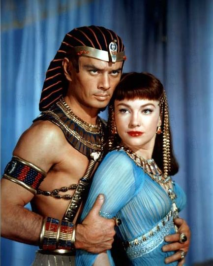 Yul Brynner and Anne Baxter