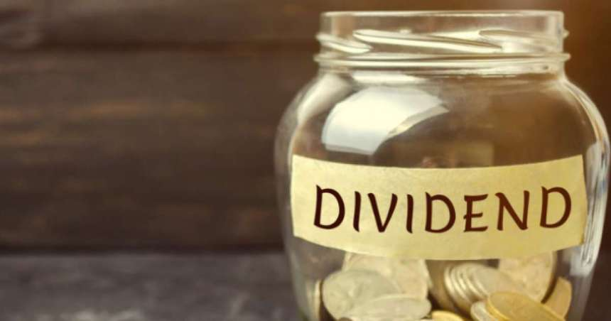 Ten FTSE 100 firms return to dividend list but huge income deficit remains
